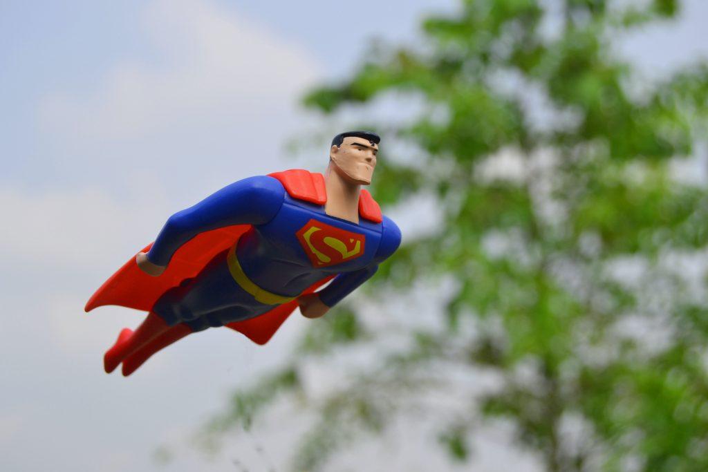 为什么超人不会飞