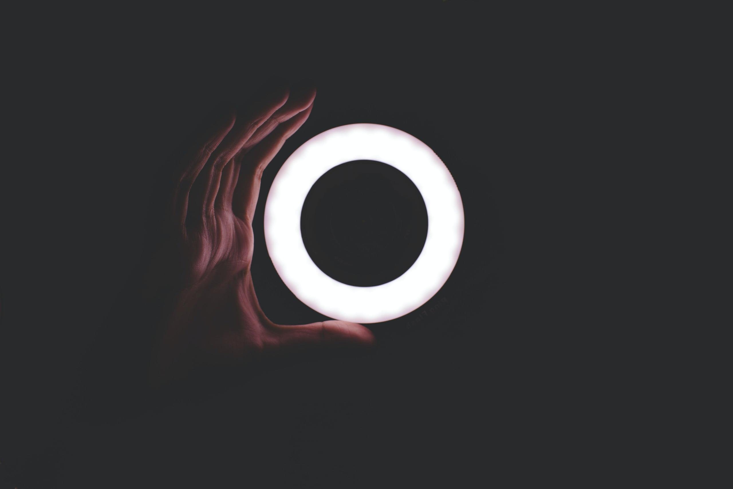 Hand curved like circle light